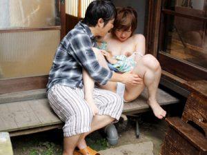 四十路の熟女母が夫とSMプレイしてる所を実の息子に見られてしまい近親相姦で調教されていく
