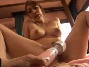白ギャルの爆乳若妻が整体師のエッチなマッサージにオマンコ濡らし生挿入で寝取られSEX!