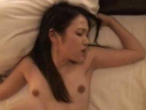 ガチ素人の若妻を地方のテレクラでナンパしてラブホテルでハメ撮り不倫SEXする生々しい企画モノ