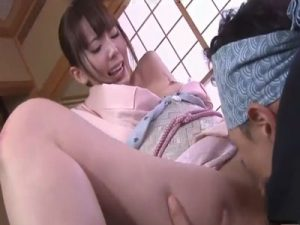 着物姿の若妻女将が温泉旅館の工事に訪れた大工に着衣SEXでレイプされ肉棒を生ハメされる