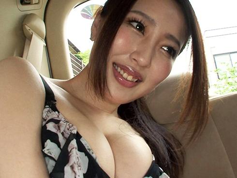 「待って・・・大きすぎるw」夫の精液もまだ飲んだことがない巨乳妻の初精飲www@PornHub