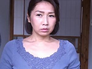 熟れたマ●コは白昼から疼く… 発情オバハン達の激しい性交映像!!!