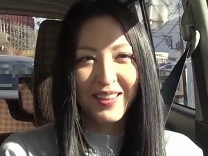 色香ムンムンな「超べっぴん」美女な熟女マダムと温泉旅行で種付け浮気SEX