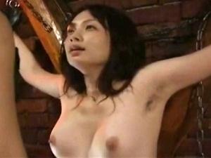 腋毛・三十路妻の磔ベロチューSEX!妖艶フェロモン漂うエロ~い美熟女!
