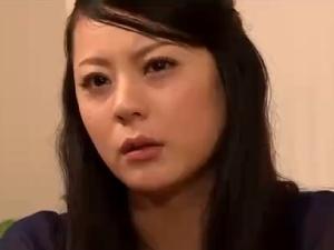 拉致監禁された人妻。夫の前で緊縛レ○プ膣内射精輪姦!