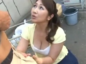 巨乳美熟女妻のオメコはいつも濡れ濡れ!?エッチなワールドへ!