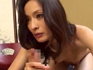 40代50代の「べっぴん美人な熟女」なマダム達!愛液まみれの禁断交尾!!!