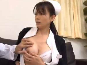 美女な熟女妻看護師の艶やかな性活!院内SEXに家では近親相姦!