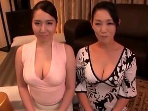 品格ある顔をしたムチポチャ巨乳な熟女二人組の丁重でエッチなおもてなし