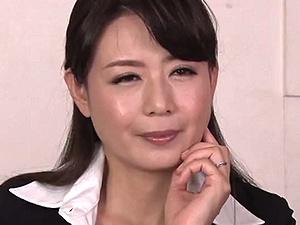 モーレツ淫靡なベテラン美熟女オフィスレディの誘惑フェロモン攻撃!