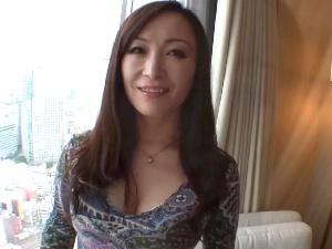 バツイチ五十路の美女な熟女!ねっとりフェロモンがムンムンするエロ~い巨乳熟女!!!