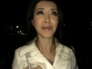 53歳のシロウト美熟女!和服の似合う料亭女将が魅せる五十路セクロス!
