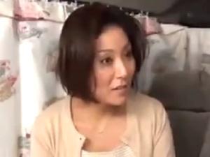 セレブ人妻ナンパ!キャリアウーマンな美魔女奥様の膣内射精ハメ撮り映像!