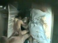 ラブホの天井カメラで中年夫婦不倫カップルのセクロスを覗き見wwww