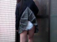 妹人妻JK女医のスカートを釣竿で引っ掛けてパンチラ撮影www